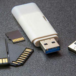 تفاوت کارت SD و فلش USB چیست؟دو حافظه جانبی کاربردی